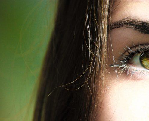 Magnetic Eyelash Extensions for Sensitive Skin